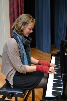 Katharina in her custom handwarmers: generous size, thumb shaping and warm red