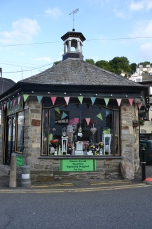 The florist in Looe, more bunting.